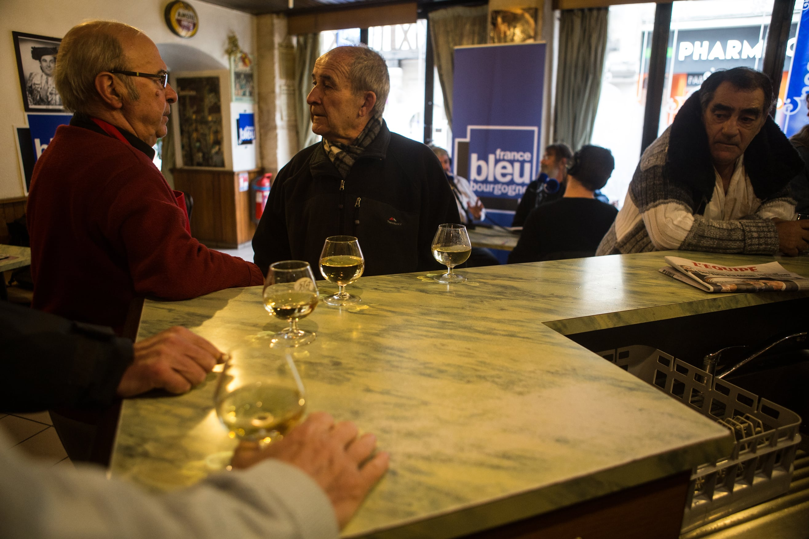 2017-11-16-bourgogne-mag-cafe-bourru-ideal-bar-JJ-53