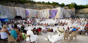 Chœurs de pierre à La Karrière de Villars-Fontaine