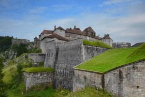 La double vie du patrimoine #2 : le château de Joux et Toussaint Louverture