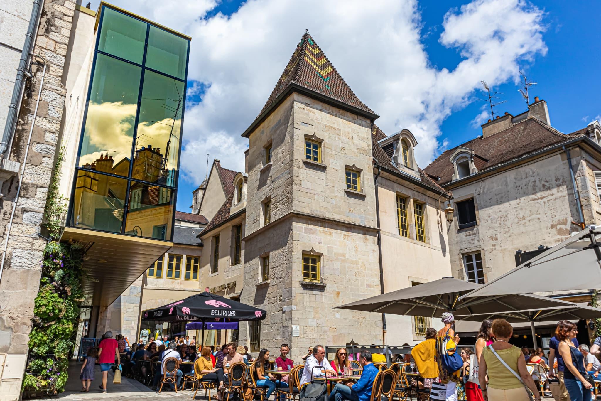 La Cour Bareuzai à Dijon, © Chapman Taylor