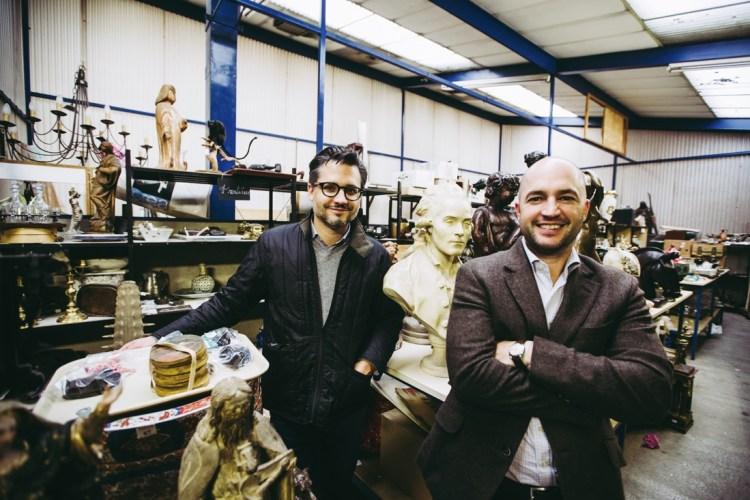 Guilhem et Christophe Sadde ont pris la succession de la salle des ventes dijonnaise en 2008. Dignes représentants de la quatrième génération, les deux frères experts donnent une nouvelle vie aux objets bourguignons.