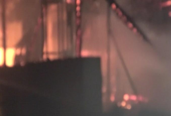 Πανικός στη Μύκονο – Φωτιά σε εστιατόριο στον Ορνό (βίντεο)