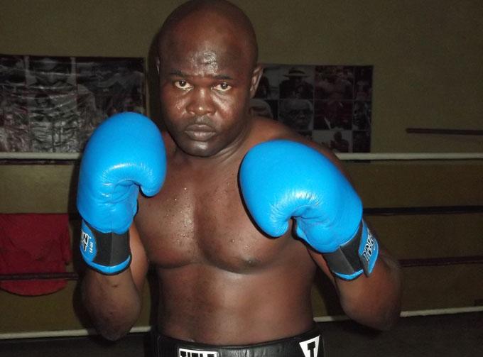 Bukom Banku fights Albert Ferenc