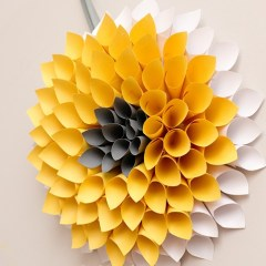 How to Make a Paper Dahlia Wreath with Easy Steps