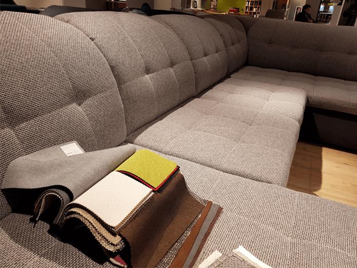 Salotto divano e due poltrone antico. Rivestimenti Divani Dimar Arredamenti A Brandizzo To