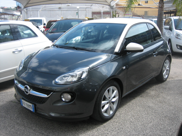 Opel adam bicolor anno 2017 full optional