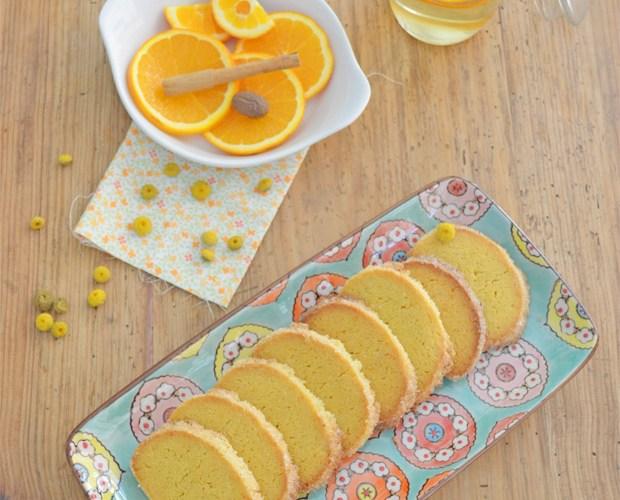 Galletas de naranja con refresco de manzanilla