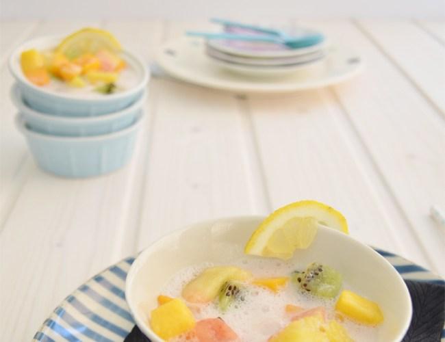 Sopa de frutas exoticas al sorbete de lambrusco