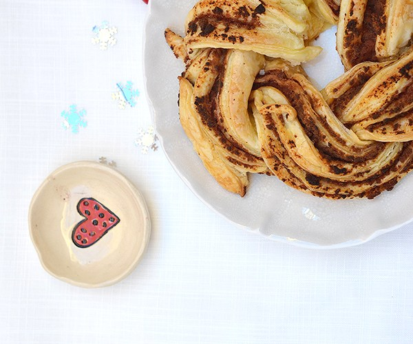 Trenza de hojaldre rellena de paté de farinato con manzana