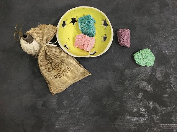 Carbón de azúcar de colores