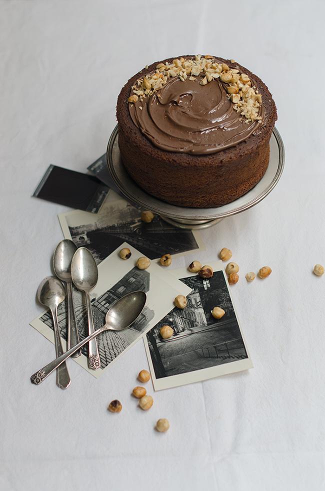 Tarta de Nutella con crema de chocolate y avellanas
