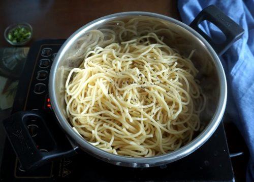 Aglio-e-olio Pasta