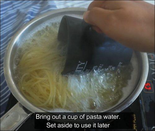 Boil spaghetti pasta