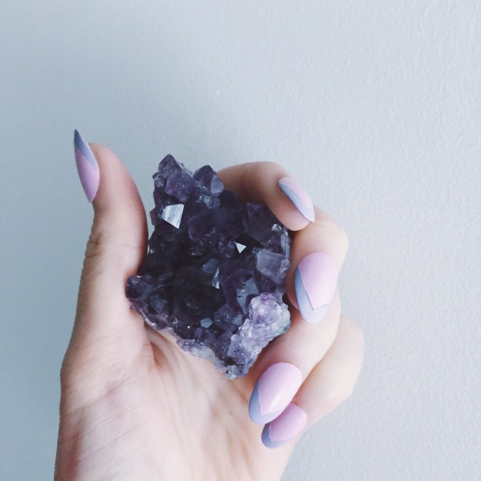 6 Essential Gemstones for Good Energy