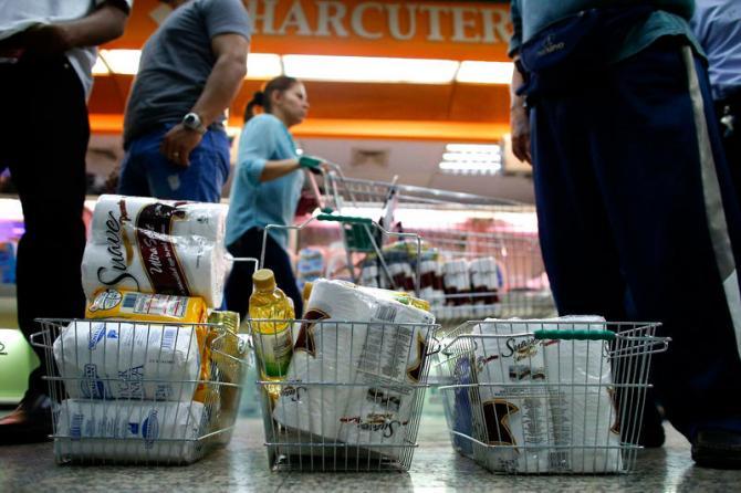 Resultado de imagen para caida del salario venezuela