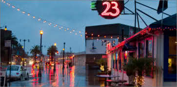 Pier 23 Cafe - San Francisco, California - en http://www.dinersdriveinsdiveslocations.com/