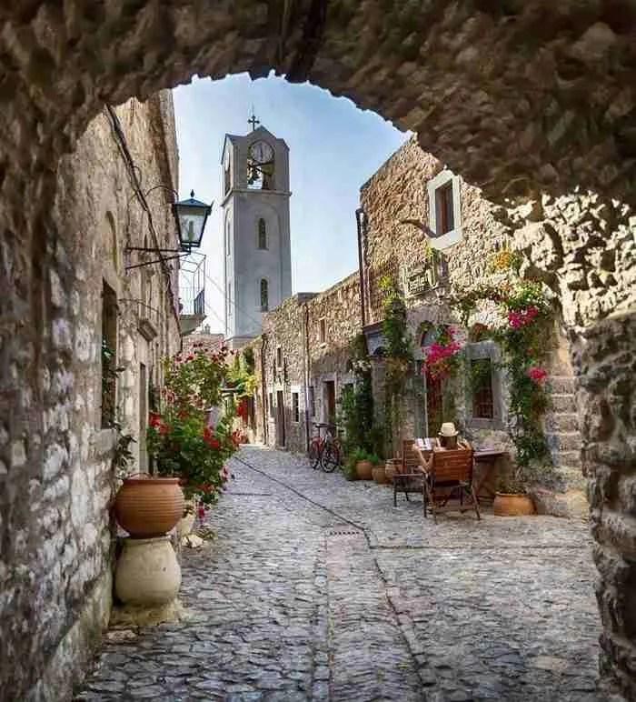 30 φωτογραφίες που αποδεικνύουν ότι η Ελλάδα γίνεται ακόμη πιο όμορφη την Άνοιξη!