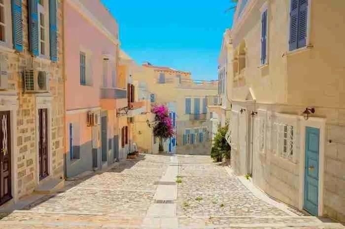 Πού βρίσκεται αυτός ο πανέμορφος δρόμος; Κι όμως είναι στη χώρα μας!