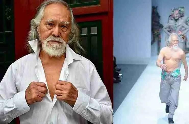 """Ο πιο """"καυτός"""" παππούς της Κίνας. Είναι 80 ετών και πρόσφατα περπάτησε στην Εβδομάδα Μόδας"""