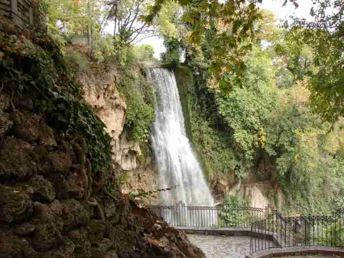 """Το """"Μάντσεστερ της Ελλάδας"""": Η παραμυθένια πόλη με τα ποτάμια, τους καταρράκτες και τα Το """"Μάντσεστερ της Ελλάδας"""": Η παραμυθένια πόλη με τα ποτάμια, τους καταρράκτες αλλά και τα ομορφότερα παλιά σπίτια!"""