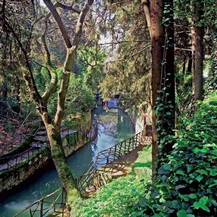 Το αρχαιότερο πάρκο του κόσμου βρίσκεται σε ένα Ελληνικό νησί και μοιάζει με τον.. παράδεισο!