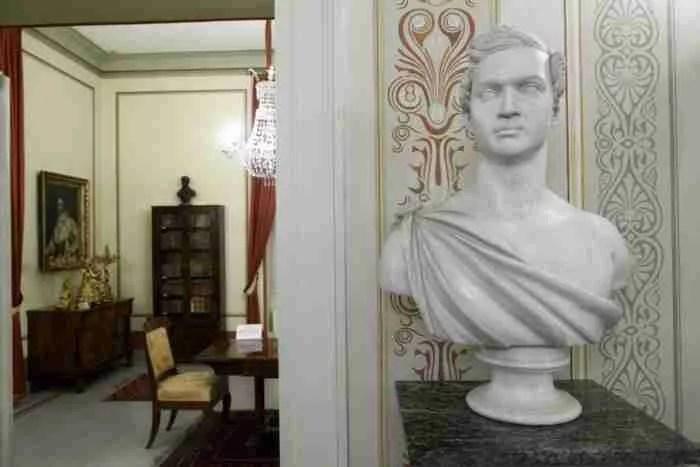 Ο πιο παλιός κήπος της Αθήνας και το σπίτι του Όθωνα και της Αμαλίας. Ένα υπέροχο μυστικό στη καρδιά της πόλης