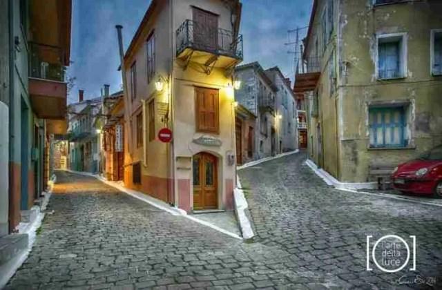 Το άγνωστο ελληνικό χωριό που οι περισσότεροι κάτοικοι του είναι καλλιτέχνες