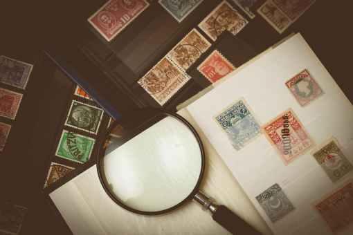 Zoek je verzameling munten en postzegels uit