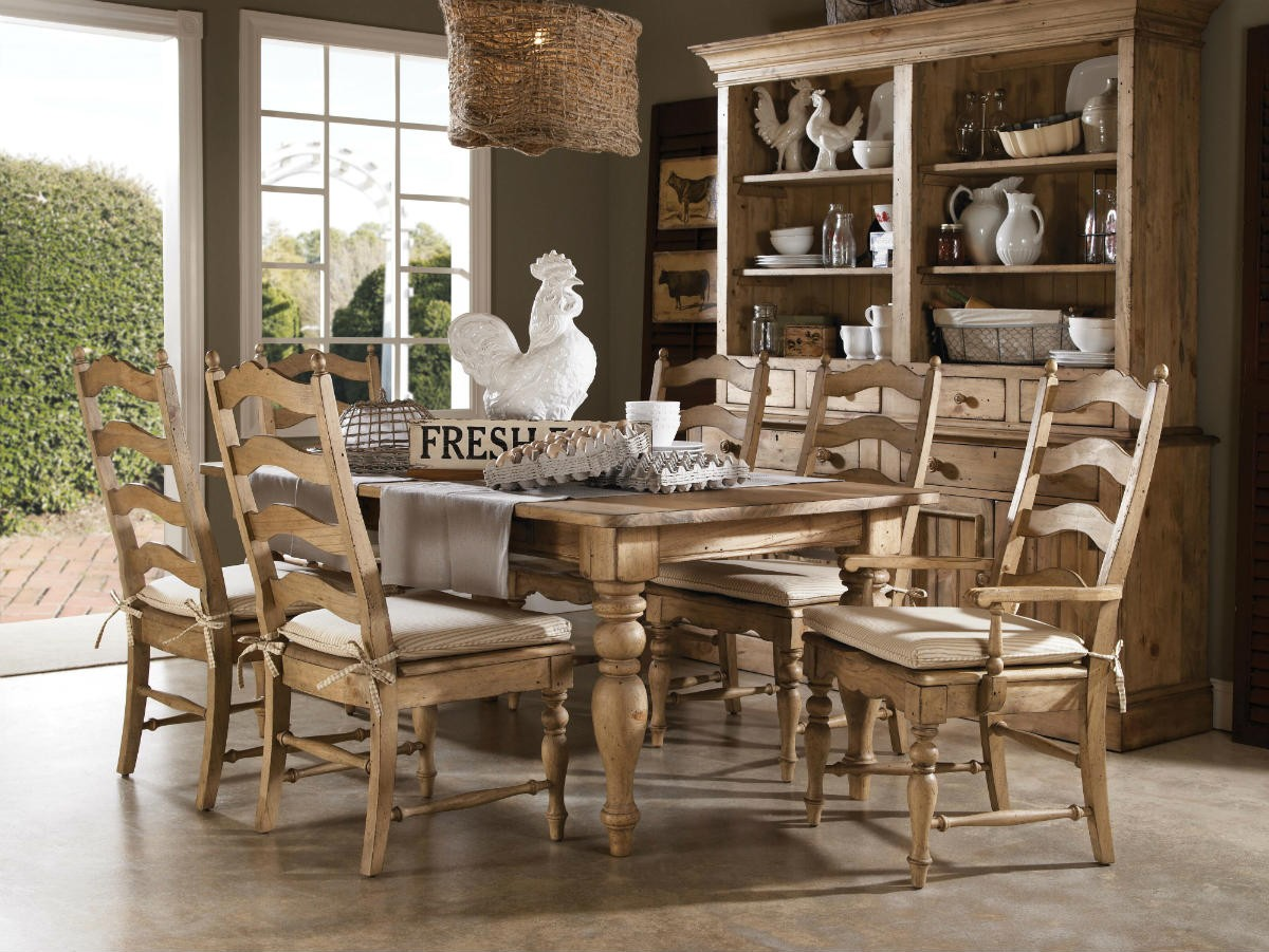 Kincaid Homecoming Solid Wood Farmhouse Leg Dining Table