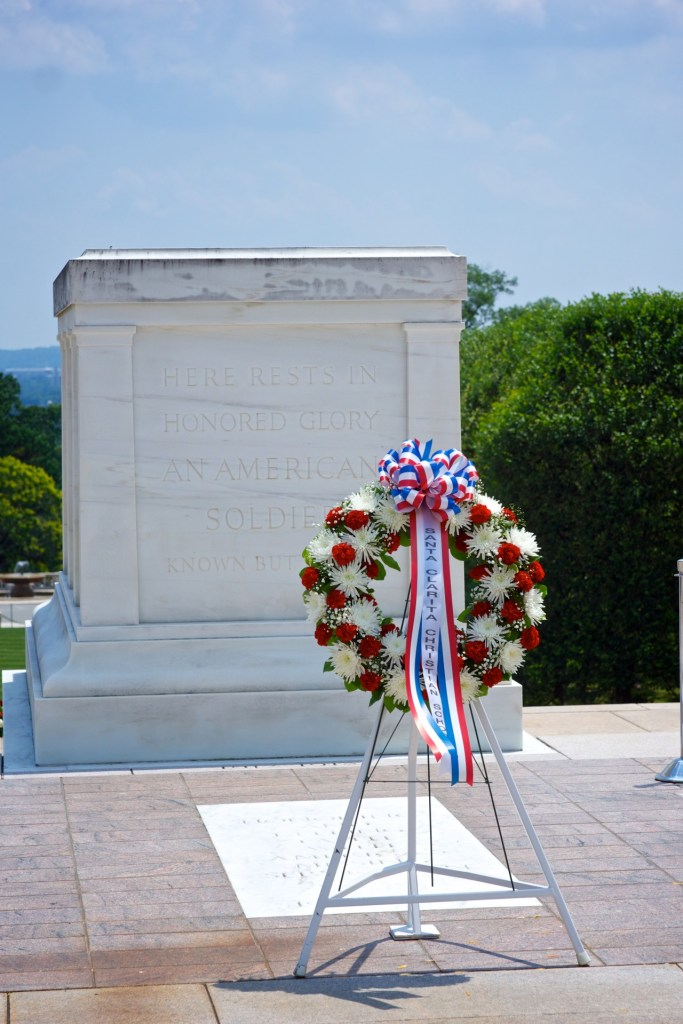 wreath-at-tomb-of-unknown-soldier www.diningwithmimi.com