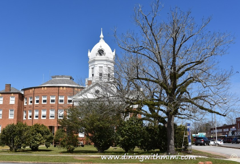 Old County Courthouse in Monroevilla Alabama Rural Alabama Trip to Inspire