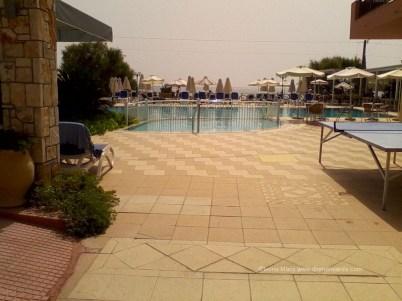 Inspre mare si piscina