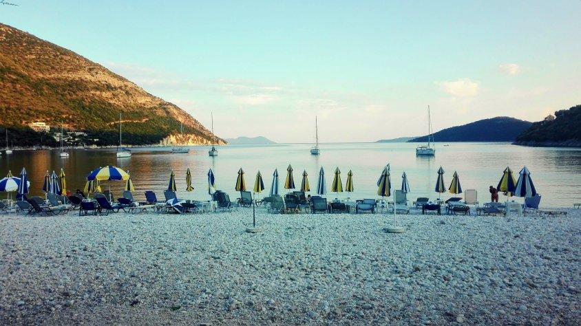 Rouda Bay Beach Hotel – cazare recomandată în Lefkada pentru cei care caută golfuri izolate