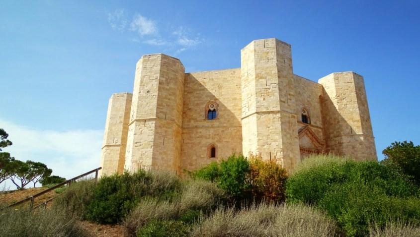 Castel del Monte – Coroana Apuliei