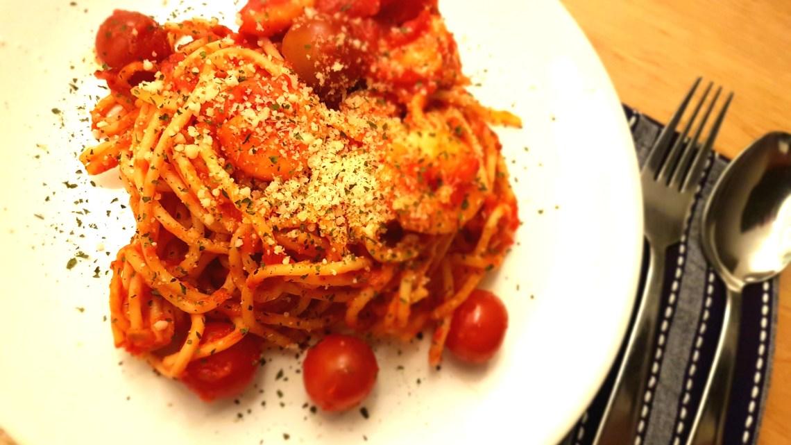 Chilli, tomato and prawn linguine