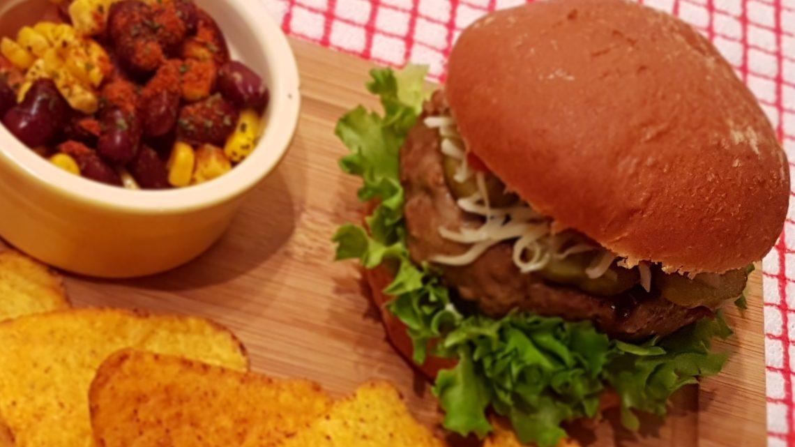 Spicy fajita Aberdeen Angus quarter pounder with mozzarella and salsa