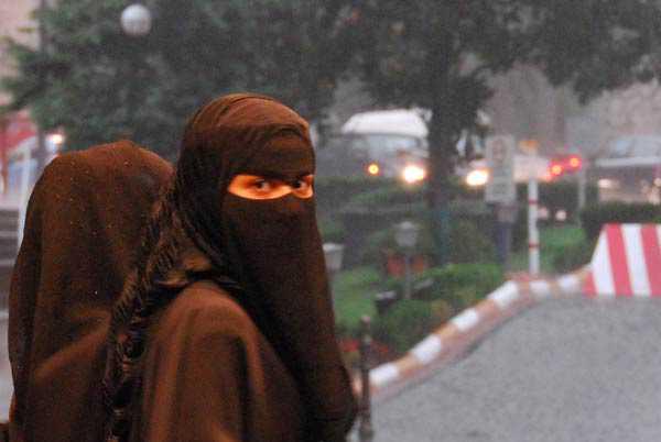 Femmes qui portent la Burqa