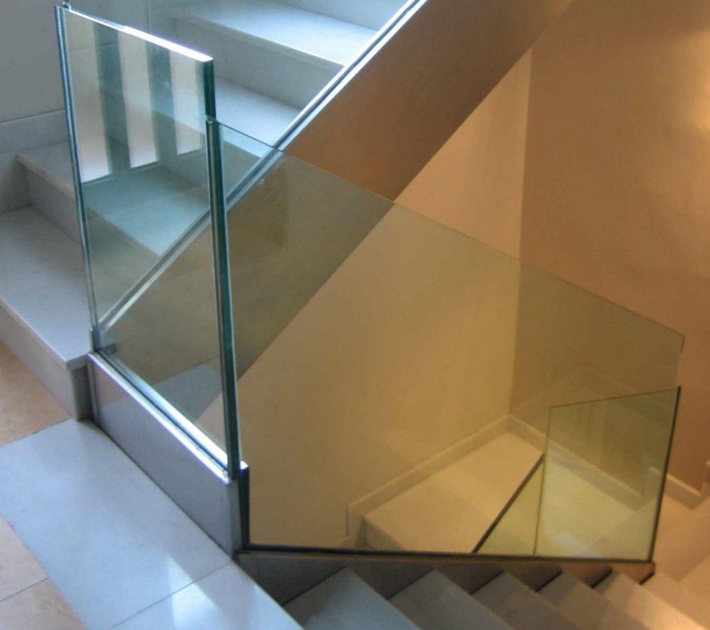 Barandillas metlicas de acero inoxidable aluminio y cristal en Almera
