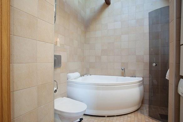 decoración baño revestimiento natural