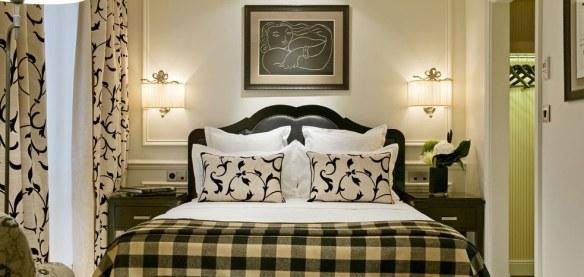 dormitorio elegante decorado con estilo