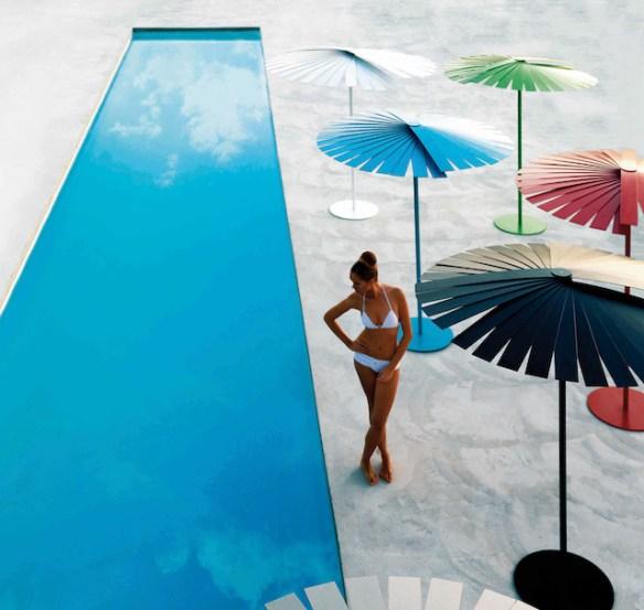 parasol piscina exterior