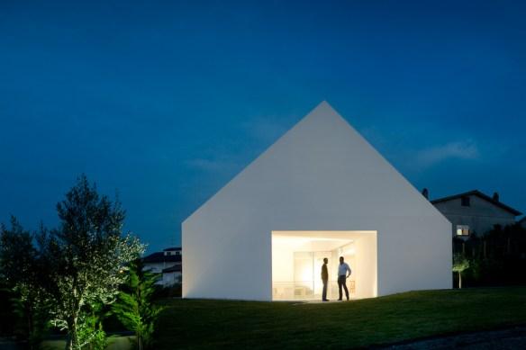 houseinleiria-airesmateus-minimalismo2