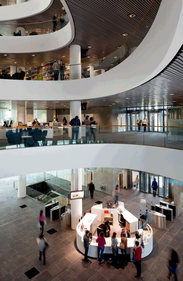 Biblioteca Universidad Aberdeen 11