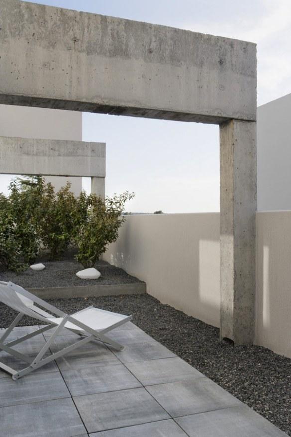 duplex-de-dos-plantas-diseno-minimalista-15