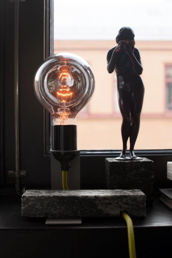 The Reflector Lamp