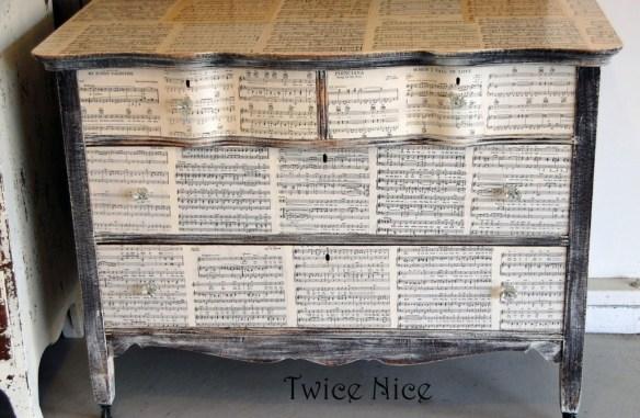 Music dresser whole