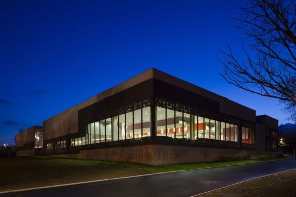 mediateca albert camus evry nueva biblioteca noche