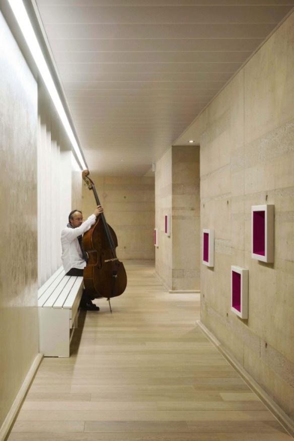mediateca albert camus evry nueva biblioteca pasillo