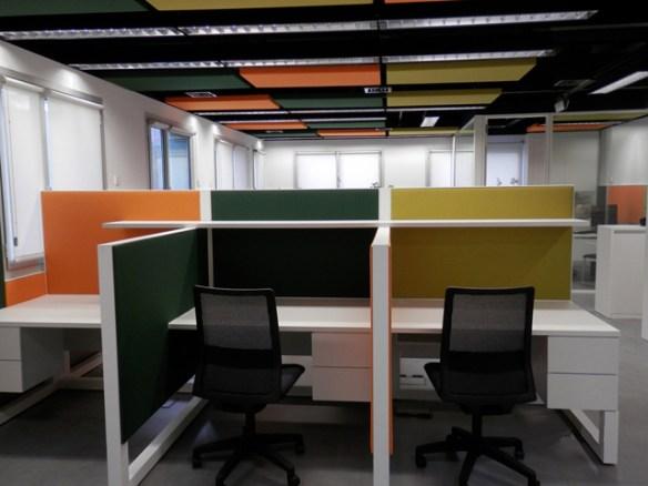 diseño-espacio-oficinas-abiertas-con-muy-buena-acústica