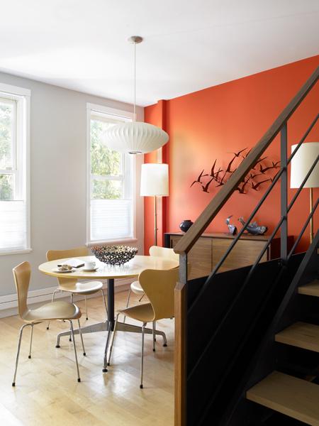 color naranja escalera